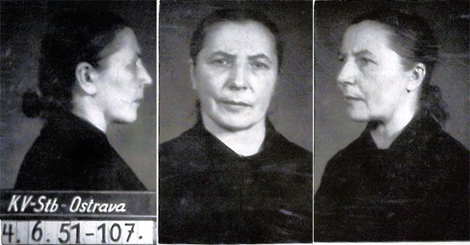 vazební fotografie anežky antonie witkové, pořízená 4. 6. 1951